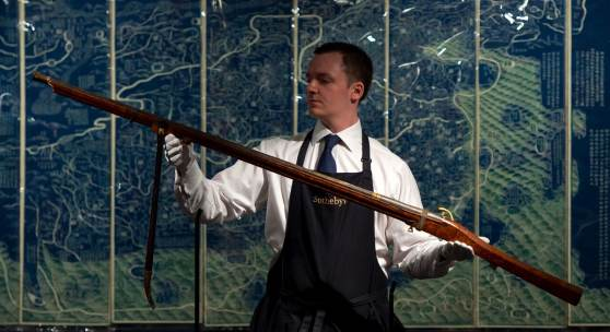A SUPERB IMPERIAL MATCHLOCK MUSKET QIANLONG MARK AND PERIOD 176.5cm, 69½in. Estimate: £1,000,000-1,500,000 (HK$10,270,000-15,410,000 / US$1,330,000-1,990,000) Sold for £1,985,000 / US$2,461,400 / HK$19,198,920