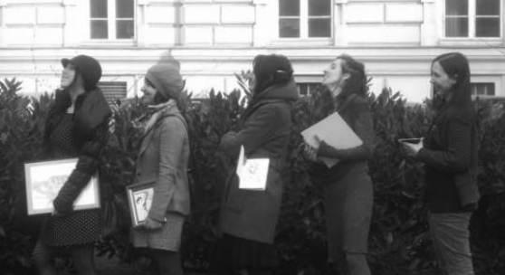 Bildsujet: Portrait Zimmer.Küche.Kabinett. V.l.n.r. Zoe Guglielmi, Iris Nemecek, Elisabeth Wedenig, Lavinia Lanner, Julia Hofstetter © Zimmer.Küche.Kabinett.