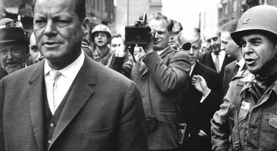 Willy Brandt an der Mauer (c) Prof. Jochen Blume