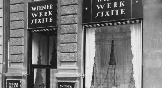 Unbekannter Fotograf, Portal der Verkaufsstelle der Wiener Werkstätte AG Zürich, Bahnhofstrasse 1, 1917 Schwarz-Weiss-Fotografie, 17,8 x 16,7 cm MAK - Museum für angewandte Kunst, Wien, Foto © MAK