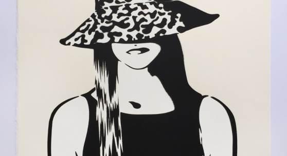 Berlin/Nürnberg im Oktober 2018.  Vom Berliner Street Art Künstler XOOOOX ist soeben eine neue Grafikedition erschienen.  Die Arbeit mit dem Titel Skimmer basiert auf einer Holzarbeit aus dem Jahr 2017.  XOOOOX Skimmer, 2018 Siebdruck auf Büttenpapier. Auflage 70 Exemplare. 50 x 70 cm Handsigniert und nummeriert.  Im Frühjahr berichtete bereits FOCUS in Heft 17/2018 über den Berliner Street Art Künstler XOOOOX und empfahl die erste Grafikedition als Kunst-Tipp.  XOOOOX (*1979) ist ein deutscher
