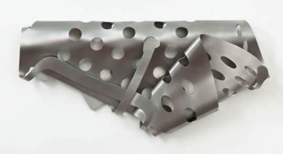Bildlegende: Hans Kupelwieser, Folded Coray, 2008, Aluminium, ca. 40 x 70 cm, Foto: Christoph Fuchs © Hans Kupelwieser