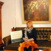 Porträt von Czarny Veronika auf der Couch © adimas - Fotolia.com