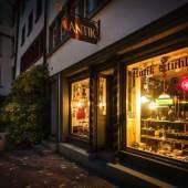 Ansicht des Geschäftslokal am Abend (c) antik-sammeln.ch