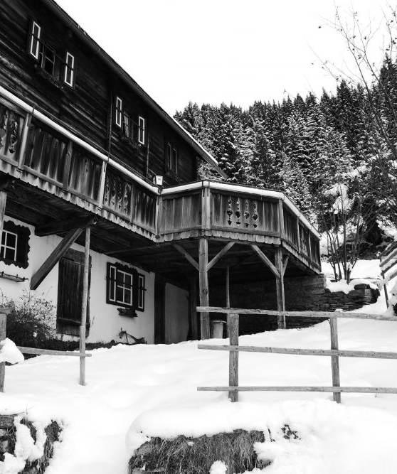 Verschneite Kohlmaierhütte