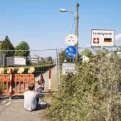 GENERAL NEWS, STORIES, 2nd Prize Title: Cross-Border Love © Roland Schmid, Switzerland