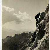 Der jüdische Bergsteiger Paul Preuss, der Anfang des 20. Jahrhunderts das Freiklettern propagierte, um 1910; Leihgabe Jimmy Petterson.