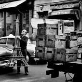 Paris, 1966 © Elliott Erwitt / Magnum Photos, courtesy OstLicht. Galerie für Fotografie