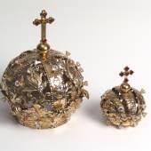 Kronen für die Einsiedler Madonna und den Christusknaben gehören zu den beliebten Votivgaben.