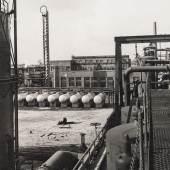 Albert Renger-Patzsch, Benzinstabilisation, Ruhrchemie AG, um 1938 © LVR-Industriemuseum