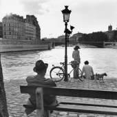 Paris, 1970 © Elliott Erwitt / Magnum Photos, courtesy OstLicht. Galerie für Fotografie 06 Paris, 1967 © Elliott Erwitt / Magnum Photos, courtesy OstLicht. Galerie für Fotografie 08 Paris, 1952 © Elliott Erwitt / Magnum Photos, courtesy OstLicht. Galerie für Fotografie