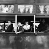 Trolley – New Orleans, 1956, a.d.S. The Americans © Robert Frank . Courtesy Sammlung Fotostiftung Schweiz, Winterthur und Schweizerische Eidgenossenschaft, Bundesamt für Kultur, Bern
