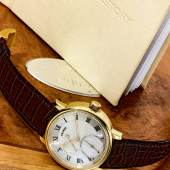 10082 Lot 165 Roger W Smith Series 2 Rare Yellow Gold Wristwatch