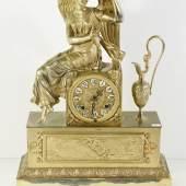 Prunkpendule mit Engel und Amphore,Messing feuervergoldet,mit Glockenschlag,19.Jahrhundert