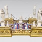 Prunkvoller Tafelaufsatz, Rom, um 1830, Bronze vergoldet, Albasterfiguren, Pietra Dura Arbeit, € 40.000 - 60.000, Fotonachweis: Dorotheum