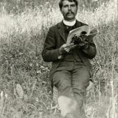 """Ferdinand Nigg, vermutlich 1894 (mit der Juli-Ausgabe 1894 der """"Wiener Mode"""")"""
