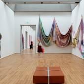 Ausstellungsansicht The music of color. Sam Gilliam, 1967–1973.