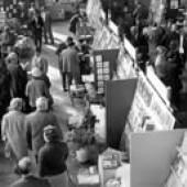 1960, 12. Frankfurter Buchmesse, Blick in eine der Messehallen. Mehr als 1.900 Aussteller aus dem In- und Ausland präsentieren über 60.000 Titel. © picture alliance