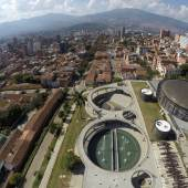 Colectivo 720: Unidad de Vida Articulada Orfelinato, Uva de La Imaginacíon, Medellin, Kolumbien, 2015  © Foto: Sergio Gómez