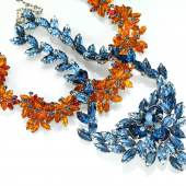 Dior-Colliers, orange 1958, erzielter Preis € 1.875, blau, 1966, erzielter Preis € 1.875 Fotonachweis: Dorotheum