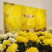 HERMANN NITSCH (* Wien 1938, lebt und arbeitet in Prinzendorf/Niederösterreich) Schüttbild (3-teilig), 2003 Pour Painting (3 part) Acryl auf Jute Acrylic on jute 300 x 600 cm Atelier Hermann Nitsch, Prinzendorf © VBK Wien, 2011