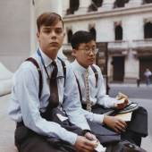 Joel Sternfeld Summer Interns Having Lunch, Wall Street, New York, August 1987 © Courtesy of the artist and Luhring Augustine, New York, 2012