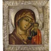 """13. Oklad-Ikone Gottesmutter """"Kazanskaja"""", Moskau, um 1670, Eitempera auf Tafel, Goldgrund, Silber, 31 x 27 cm  Foto: Artmando di Antichità Gasperetti"""