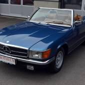Kat. Nr. 308 1977 MERCEDES-BENZ 450 SL aus dem Nachlass von Maximilian Schell erzielter Preis € 28.000