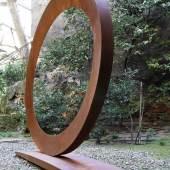 """991  Mauro Staccioli  (1937 geb.)   """"Ellisse"""", 2008  Cortenstahl, 195 x 252 x 48 cm  erzielter Preis € 204.300"""