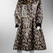 196  Abendmantel  Yves Saint Laurent, Rive Gauche  1990er Jahre  Größe 40/42  Rufpreis € 2.000