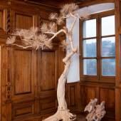 Shi Jinsong, Lack Pine Tree, 2011 Holz Courtesy Sigg Collection © Shi Jinsong