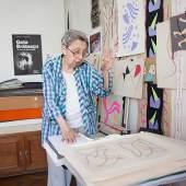 Porträt Geta Brătescu in ihrem Atelier © Ştefan Sava