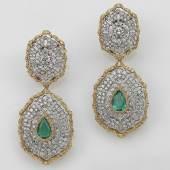 Buccellati Brillant Smaragd Ohrgehänge, aus altem europäischen Adelsbesitz, Brillanten zus. ca. 6 ct, Smaragde im Tropfenschliff, zus. ca. 3,30 ct Schätzwert € 16.000 - 20.000