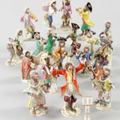 """19 Figuren aus der """"Affenkapelle"""" Porzellan, Meissen, 20.Jh. (Kat.-Nr. 1 bis 19) Schätzpreis jeweils 300,- EUR"""