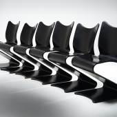 Satz von sechs S-Stühlen, Mod.275, Entwurf Verner Panton 1956, Ausführung August Sommer, Plüderhausen, für Thonet Frankenberg, ab 1965, 14-lagiges Schichtholz, gebogen, geformt, schwarz lackiert, stapelbar, aus einer Kleinserie, Schätzwert € 20.000 - 30.000