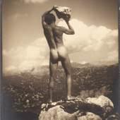 RUDOLF KOPPITZ (1884–1936) 'Der Steinwerfer' (Self-portrait), 1923 © WestLicht Photo Auction Vintage silver print, contact print, 9,6 x 8,1 cm Photographer's blindstamp in the image lower right, 'Zeinlhoferg. 8' studio stamp on the reverse Startpreis: 2.200 € / Schätzpreis: 4.000–5.000 €