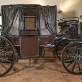 "© Dorotheum   Download  ""Sissi-Kutsche"" - Landauer, G. D. Michotte & Gand, Belgien(?), um 1900, Schätzwert € 5.000 – 7.000"