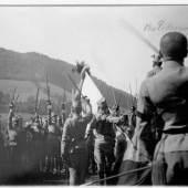 2 APRIL 1914 Eidesleistung c Bergiselstiftung 4. Regiment der Tiroler Kaiserjäger bei der Eidesleistung in Hall/Tirol am 13. August 1914; SW-Foto Copyright: Bergiselstiftung