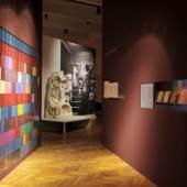 """Ausstellungsansicht, 2011 """"Rudolf Steiner – Die Alchemie des Alltags"""" MAK-Ausstellungshalle © Wolfgang Woessner/MAK"""