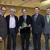 v.l.n.r.: Wolfang Muchitsch, Peter Pakesch (Intendant Universalmuseum Joanneum), Christian Buchmann, Marko Mele, Karl Peitler Foto: UMJ / N. Lackner