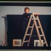 Valie Export Die österreichische Künstlerin aufgenommen mit dem Susse Frères Daguerréotype aus 1839 auf 8X10 Inch Diapositiv ─ verblüffend die Schärfe und Wiedergabe selbst in Farbe des ersten Objektivs von Chevalier. © Peter Coeln / WestLicht