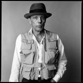 Portrait von Joseph Beuys (1921-1986), Paris, 1985  Foto: Laurence Sudre / Bridgeman Images