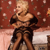 Bettina Rheims, Madonna laughing and holding her breasts, New York, September, 1994  Courtesy Jérôme de Noirmont, Paris, © Bettina Rheims, Jérôme de Noirmont – Art & Confrontation