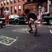 Joseph Rodriguez Skeely Street Game Spanish Harlem, New York, 1987 © Joseph Rodriguez
