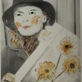 Lee Godie, Ohne Titel (Self-portrait with Painting of Daisies), undatiert, Farbe auf Fotografie, 12 x 9,5 cm, Collection of Christopher LaMorte and Robert Grossett, Foto: John Faier