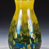 "Lot 523: Vase ""Cytisus"", Loetz Wwe., Klostermühle, 1904, H. 12,5 cm, Erlös 4.600* €"