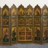 Ikonostase, die Szenen aus dem Leben Christi  und erzielte nach engagiertem Bietergefecht 6.500 € (Maße, ausgeklappt 183 x 59 cm, Ausruf 1.800 €).