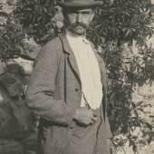 Karl Blossfeldt, Selbstporträt, Rom, 1895  Stiftung Ann und Jürgen Wilde, Pinakothek der Moderne, München
