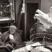 HENRI CARTIER-BRESSON (1908–2004) Henri Matisse, Vence February 1944 Gelatin silver print, printed in the late 1980s / early 1990s, 24 x 36 cm Signed by the photographer in ink in the margin, his blindstamp in the margin lower left Startpreis: € 6.000 / Schätzpreis: € 10.000-12.000