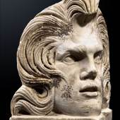 "Das ""Elvis-Akroterion"" Römisch, 2. Jahrhundert n. Chr., Höhe: 33,5 cm Foto: Christoph Bacher Archäologie Ancient Art"